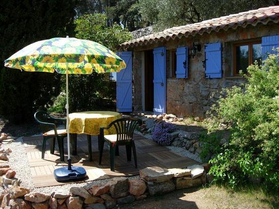 Cabanon Eingang und Terrasse